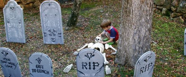 halloween grave yard decorations