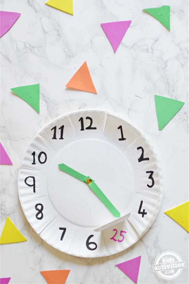 Homemade clock  using paper plate is done