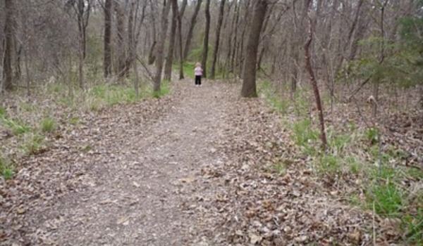 little girl on nature trail 600x350
