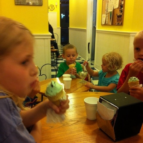 kids eating ice cream at table
