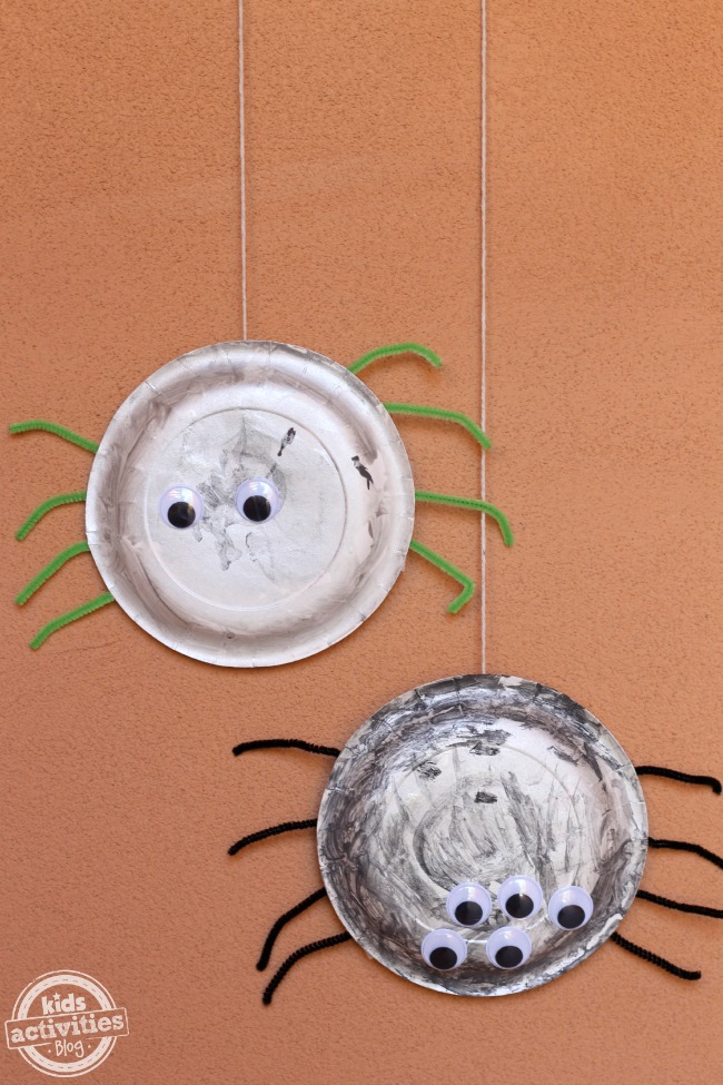 Adorably Creepy Paper Plate Spiders Craft