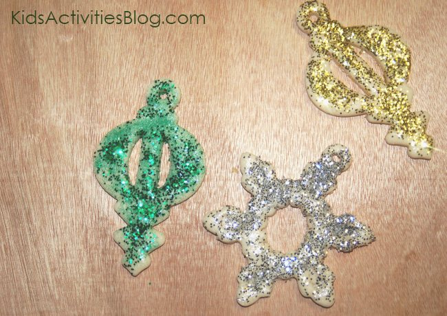 salt dough ornaments - a fun Christmas craft for kids