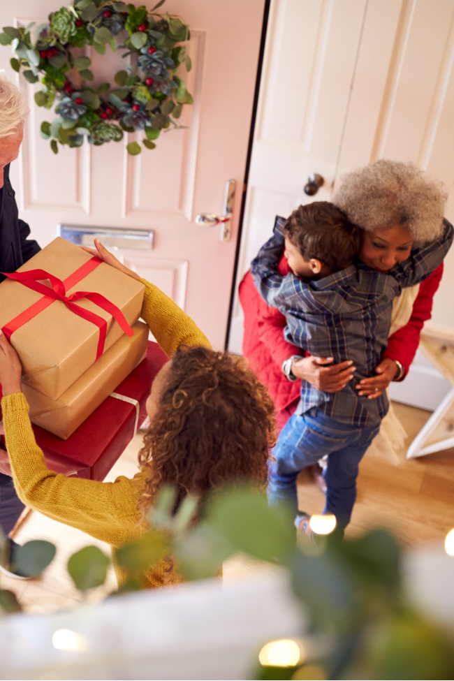 Festive Christmas Name Game to Prepare Kids for Family Parties