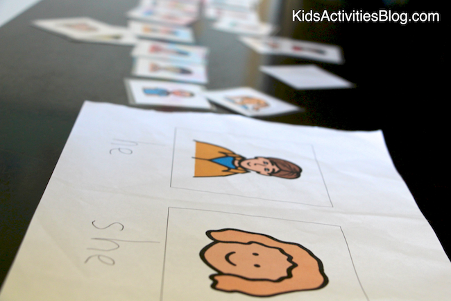 We love this literacy activity for young kids - it's a pronoun game!