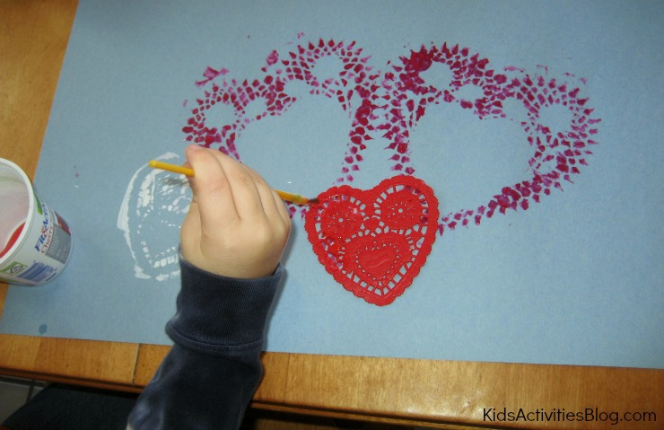 This easy Valentine craft is also a fun fine motor activity for kids!