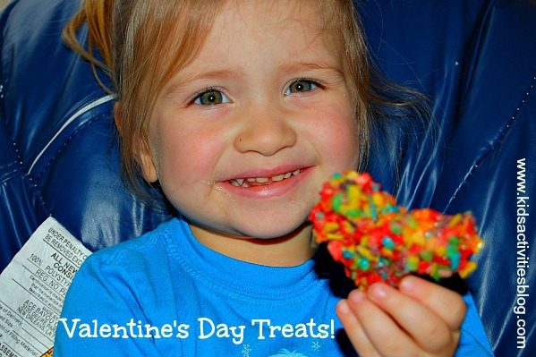 Yummy Valentine treats made with Fruitty Pebbles!  Kids love them!