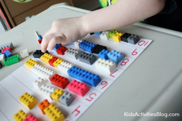 10 Things Kids Can do with Legos {Play and Learning Fun}