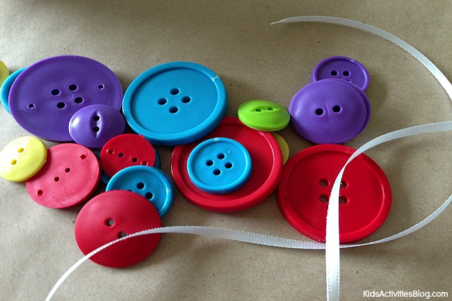 Button Craft for kids: Make a Button Bracelet {so easy!}