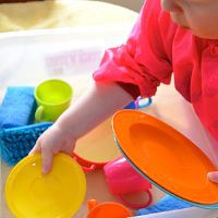 Easy Water Play Ideas by Picklebums