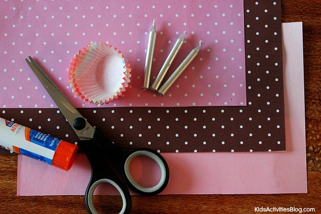 Adorable homemade birthday card: Kid Made Cupcake Card!