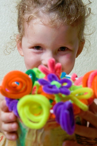 Easy! How to Make Pipe Cleaner Flowers