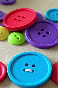 button bracelet to make with kids