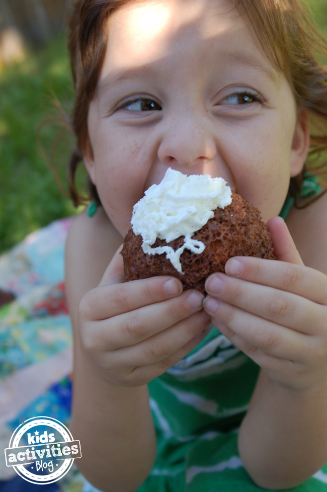2 Minute Hot Chocolate Mug Cake Mix Recipe So Easy Your 7 y/o Can Make It