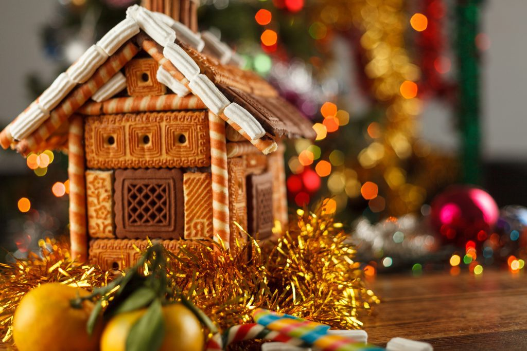 Gingerbread House covered with cookies idea