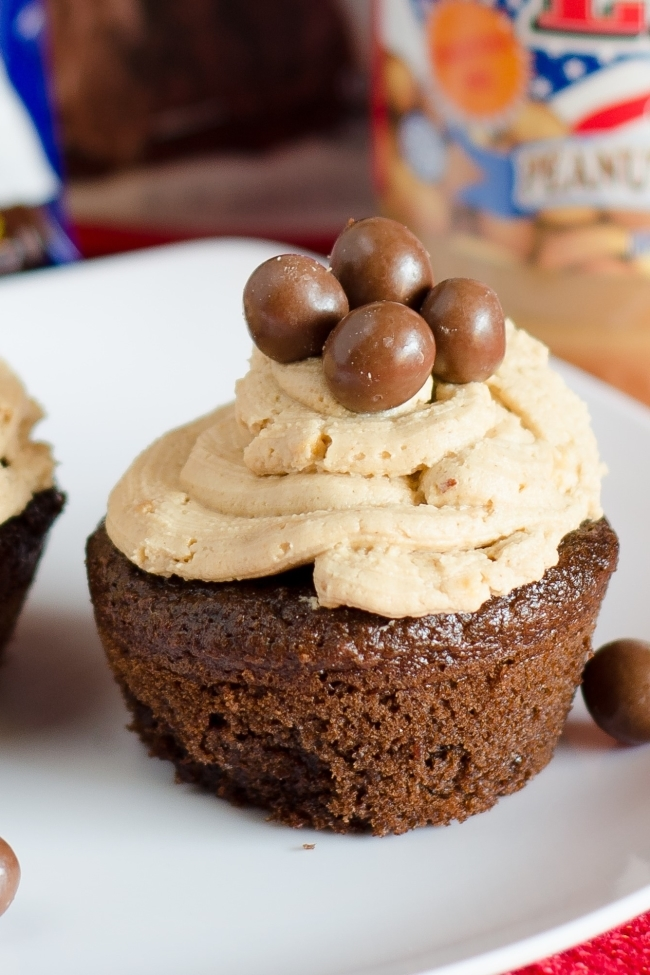chocolate crunch cupcakes