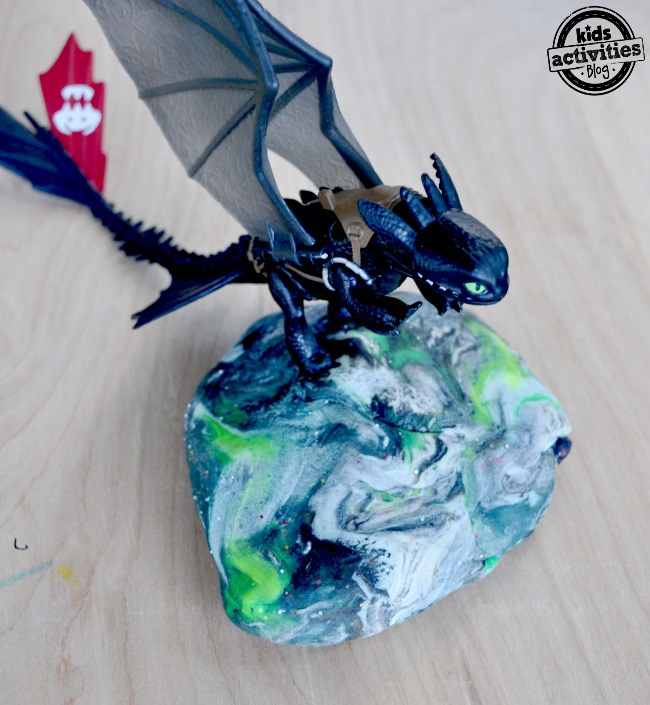 how to train a dragon playdough