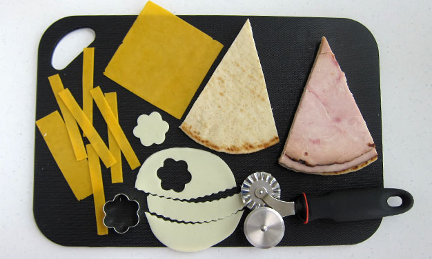 how to make a birthday party hat sandwich