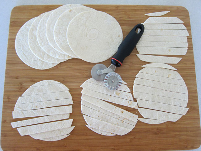 cut tortilla into strips