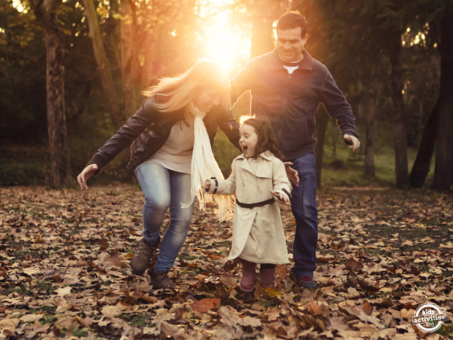 8 Tips To Help You Get A Fun Family Photo This Year