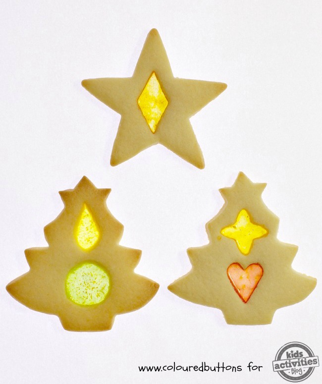 You Have To Try These Stained Glass Christmas Cookies!