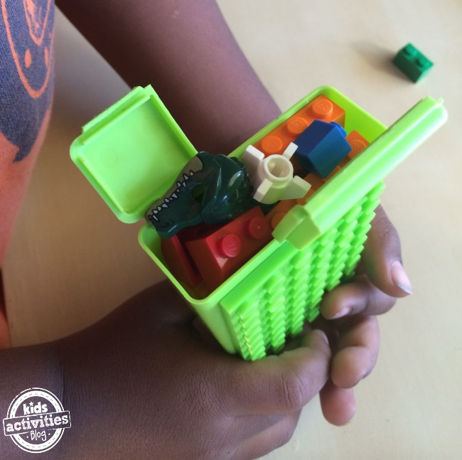 have legos can travel a diy case kids can make and carry in their pockets