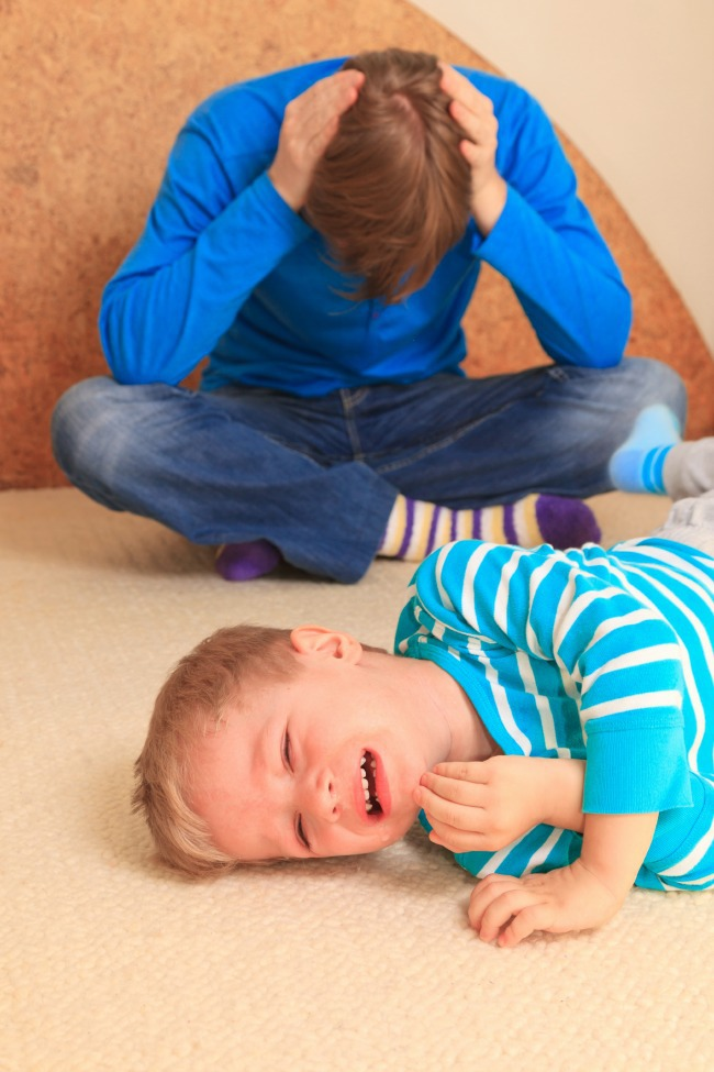 5 Things to remember when your toddler throws a tantrum