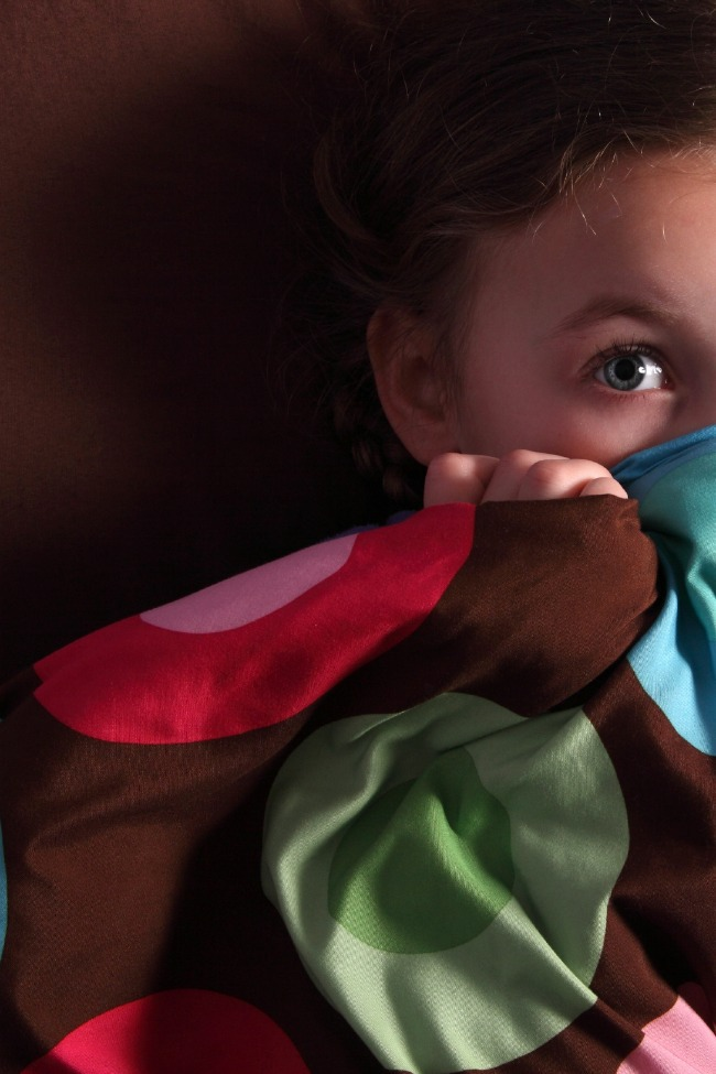 10 {Fun & Unexpected} Ways to Battle Bedtime Fears
