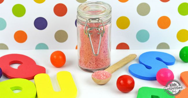 Then you have epsom salt for kids in a jar surrounded by bath toys. You could even use this recipe to teach you how to make bath salts to sell.