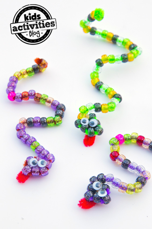 Easy Pipe Cleaner & Bead Snake Craft