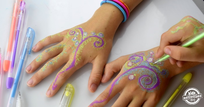 gel henna hands kids can make