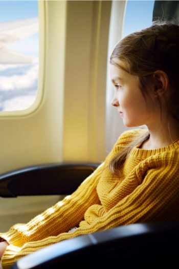 Little girl calls stranger daddy on a plane video - Kids Activities Blog