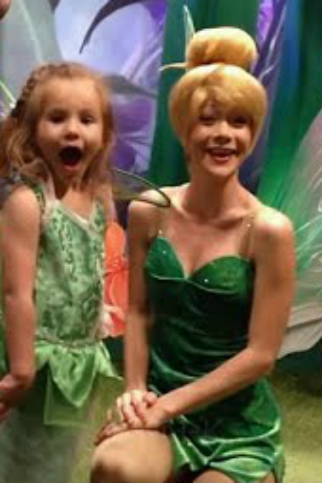 Little Girl Blown Away When Tinkerbell Knows How To Sign