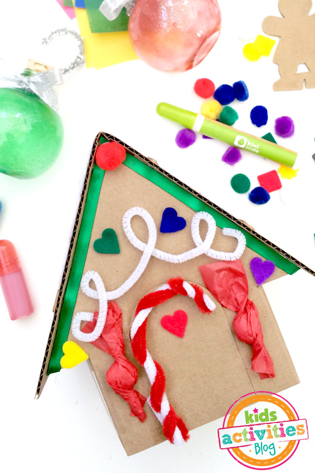 Decorate your own gingerbread house craft from Kiwi Crate