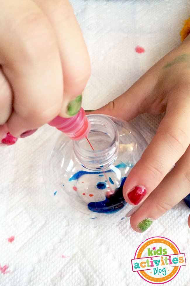 Mixing colors to make pretty ornaments