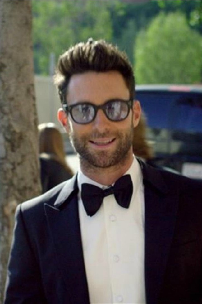 Maroon 5 Crashed Weddings To Give The Bride And Groom The Surprise Of Their Lives!
