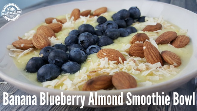 This Banana Blueberry Almond Smoothie Bowl is the perfect combination of sweet and crunch