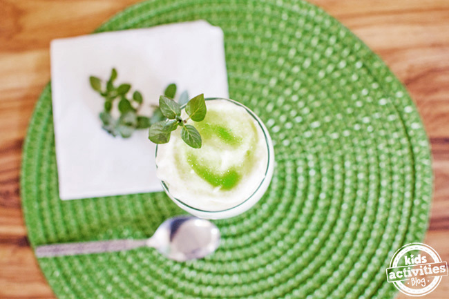 Shamrock shake recipe for kids that is green and white