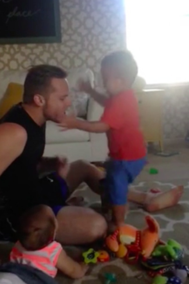 Kid Freaks Out When His Daddy Pretends To Cry!