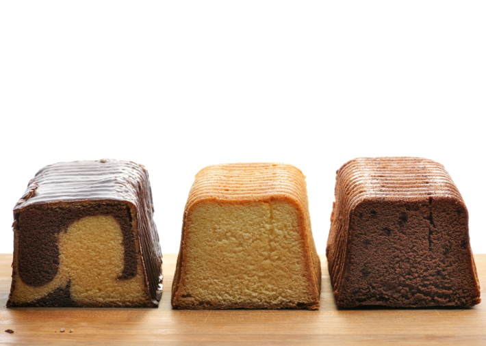 Frozen pound cakes in different flavors like vanilla, vanilla and chocolate swirl, and chocolate.