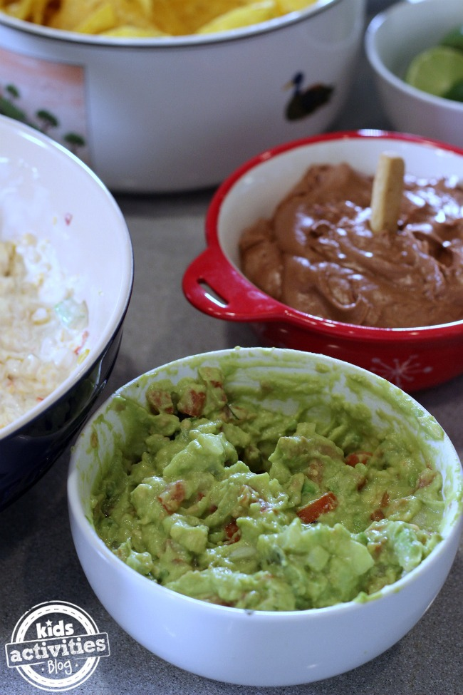 Holly's Easy Guac That You Can Live On