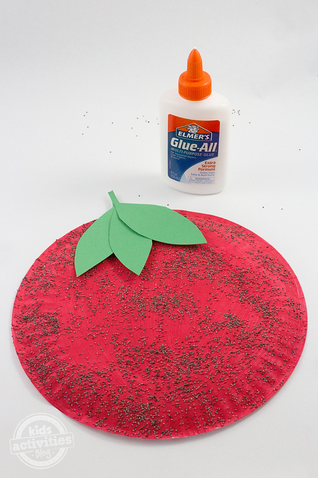 Paper Plate Strawberry