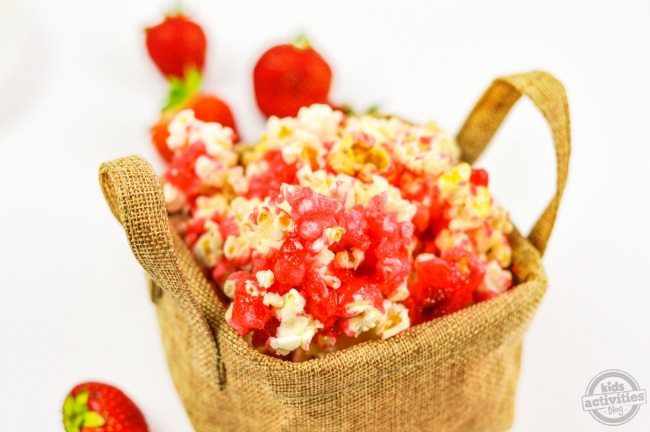Sweet & Salty Strawberry Popcorn2