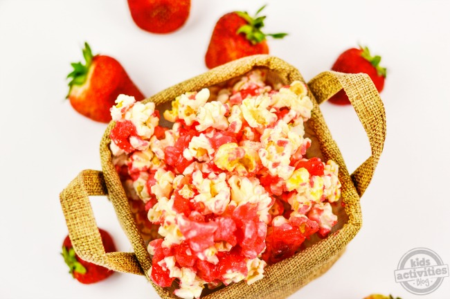 Sweet & Salty Strawberry Popcorn3