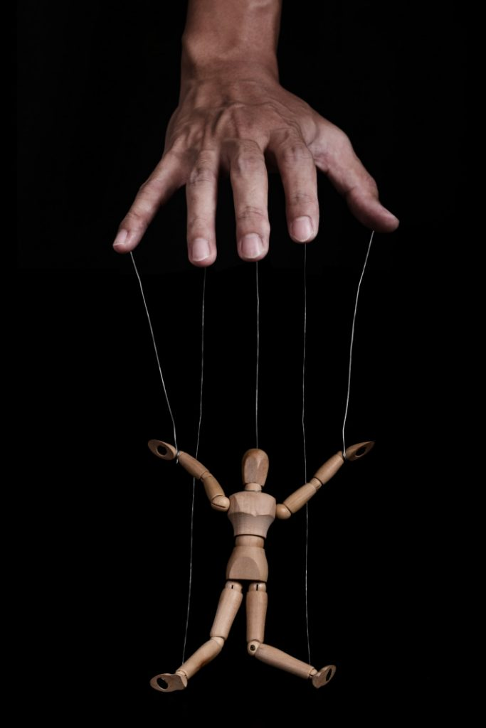 video of puppet that moves incredibly and you forget it is a puppet - Kids Activities Blog