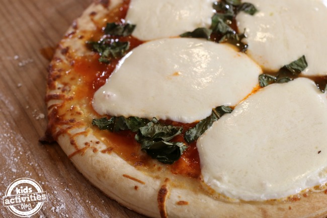 5 Easy Homemade Pizza Recipes