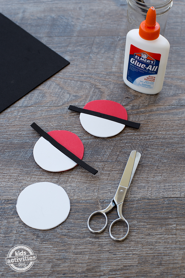 This easy, kid-made Pokéball Clip looks awesome on backpacks, lunch boxes, and jacket zippers. It's perfect for kids!