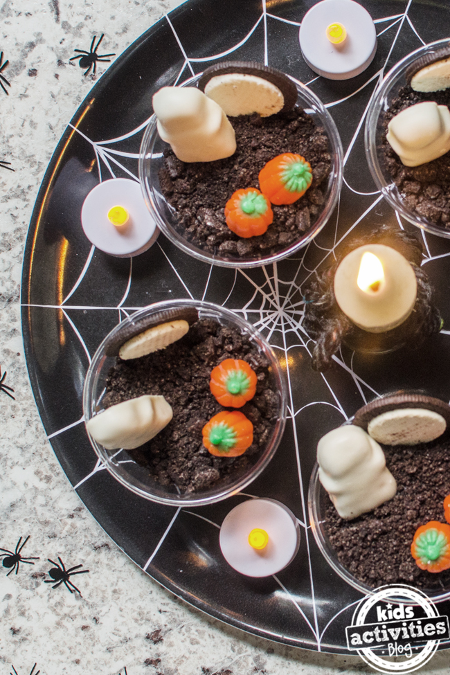Easy to Make Spooky Cute Halloween Pudding Cups