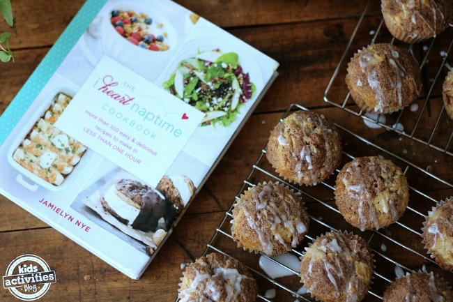 iheartnaptime-apple-snickerdoodle-muffins-