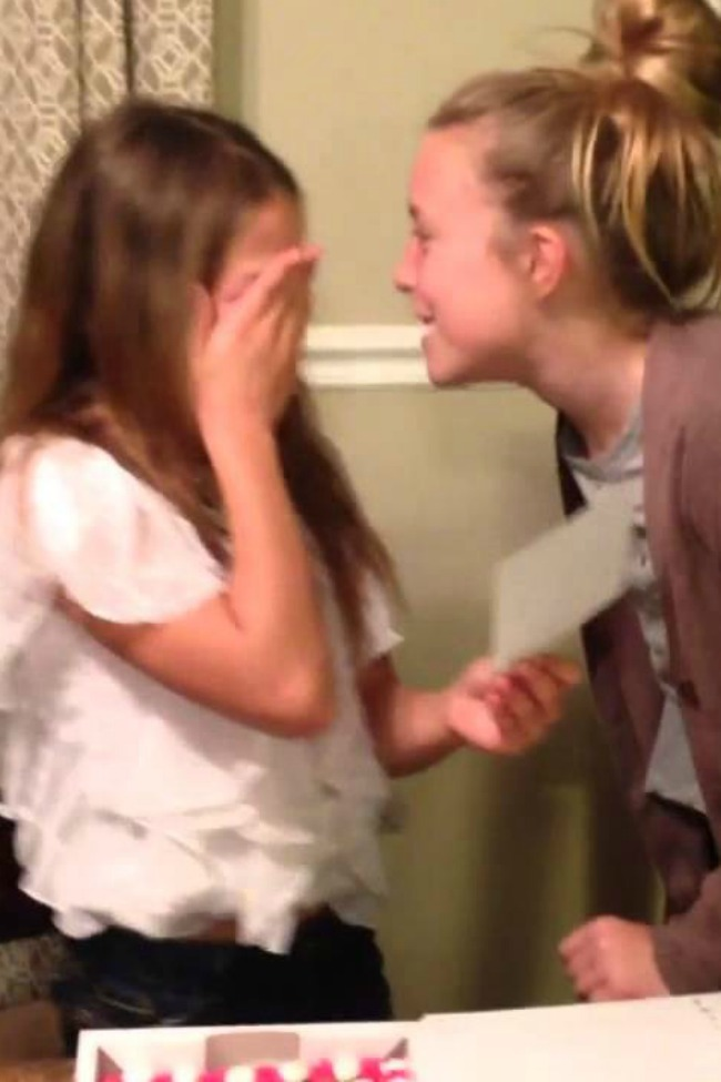 Mom Finds A Fantastic Way To Announce Pregnancy, And Their Reaction Is Incredible!