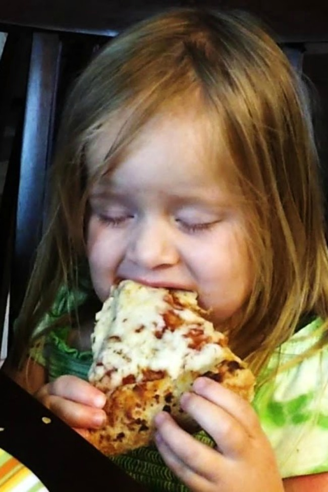 This Is What Happens When You Need Sleep, But Pizza Is Life!